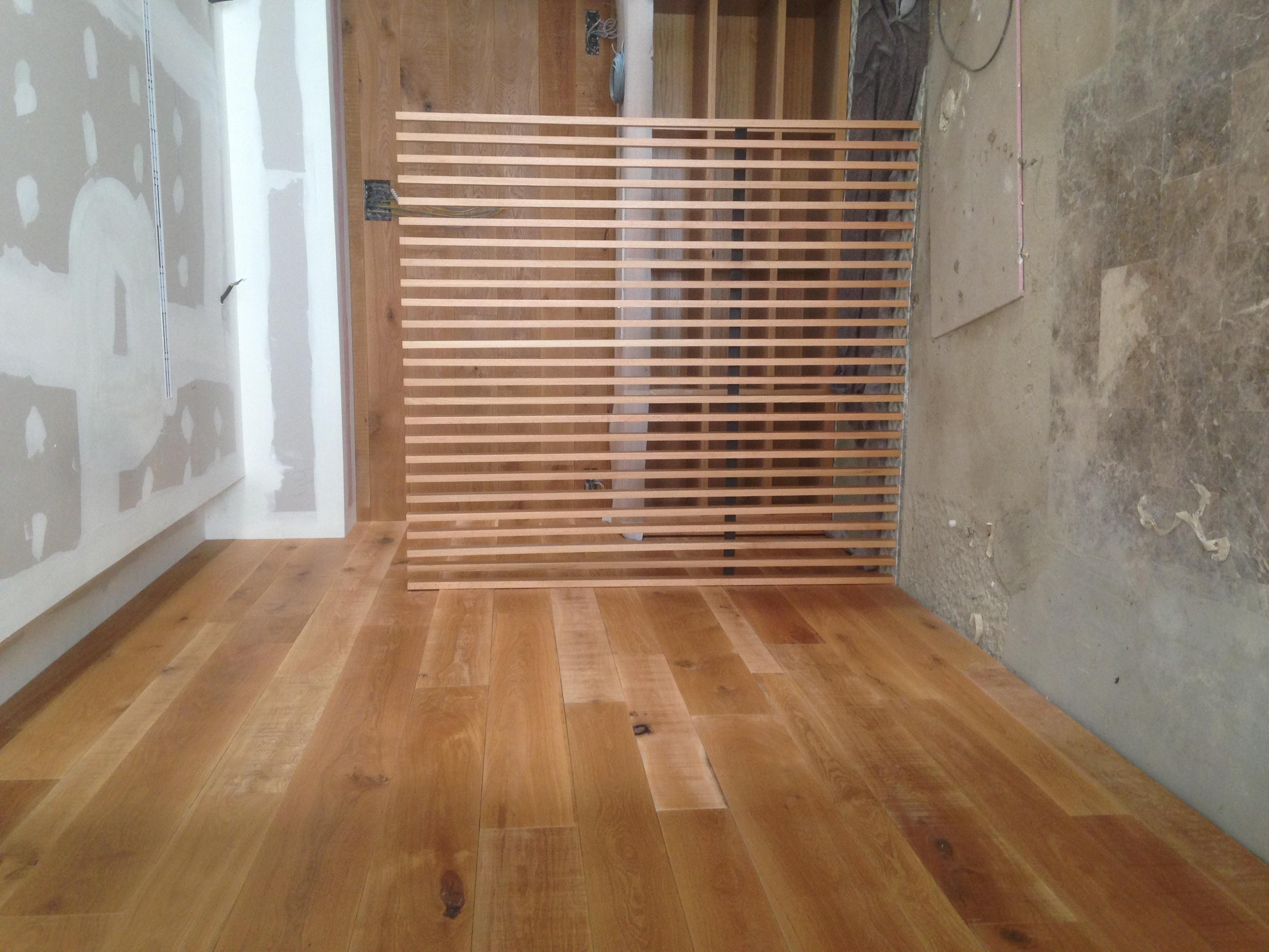 Carpinter a galea fabricaci n de muebles a medida con - Revestimiento madera paredes ...